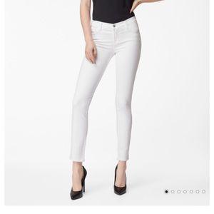 J Brand 811 Mid-Rise Skinny In Blanc